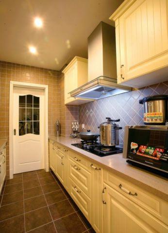 厨房橱柜欧式风格装饰效果图