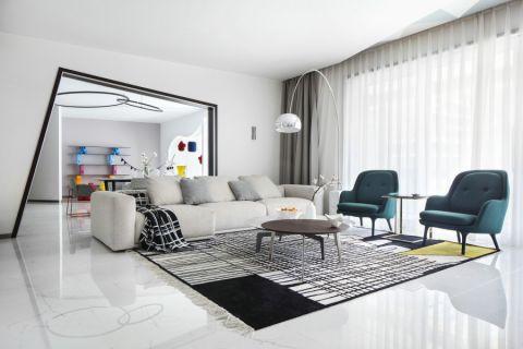 各个空间户型方正,方便室内家具布置;全明户型,各部分空间均有窗,可保证整体空间采光和通风,居住舒适度好;整个户型空间布局合理,做到了干湿分离、动静分离,方便后期生活;客厅、卧室、卫生间和厨房等主要功能间的尺寸以及比例适中,有利于采光和通风,居住起来舒适、方便;