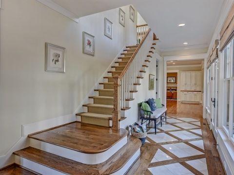 地下室楼梯美式风格装修效果图