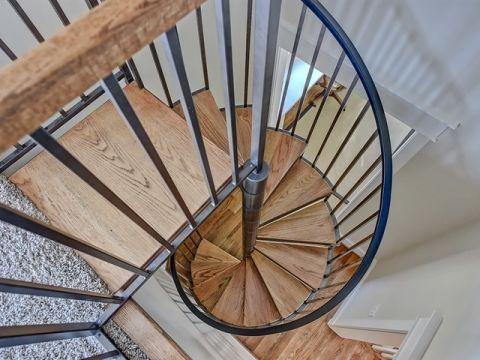 地下室楼梯美式风格装修图片