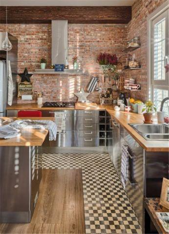 厨房彩色不锈钢橱柜装修效果图