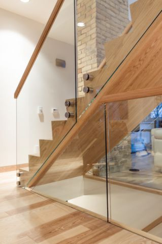 唯美现代风格楼梯装修效果图