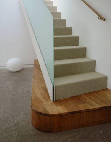 清新雅致现代风格楼梯装修效果图
