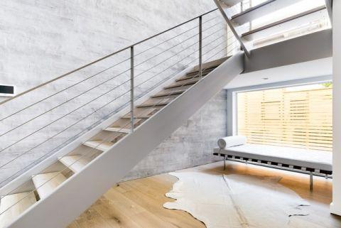 大气沉稳现代风格楼梯装修效果图_土拨鼠装修2017装修图片大全