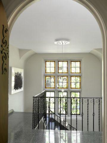 温馨舒适简欧风格楼梯装修效果图