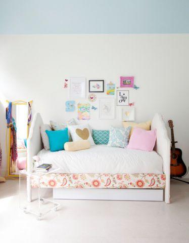儿童房照片墙混搭风格装饰设计图片