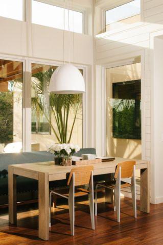 餐厅白色现代风格装修设计图片
