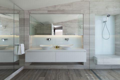 卫生间白色现代风格装饰图片