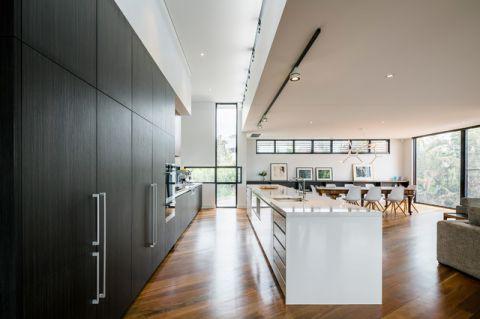 餐厅厨房岛台现代风格装修图片
