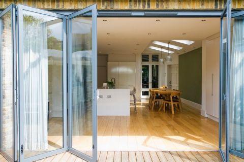 客厅门厅现代风格装修效果图