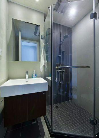 卫生间隐形门简约风格装饰效果图