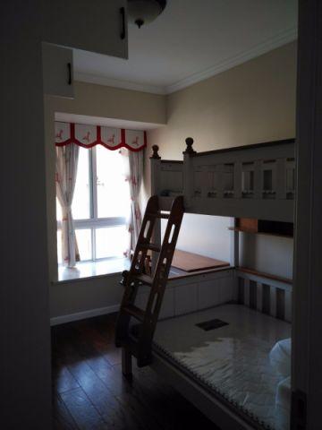 客厅榻榻米美式风格装潢效果图