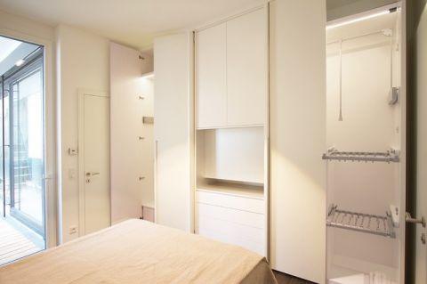 卧室白色橱柜现代风格装潢效果图