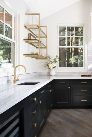厨房白色背景墙现代风格装潢设计图片
