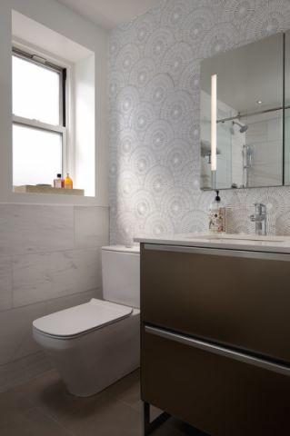 卫生间灰色背景墙现代风格装修效果图
