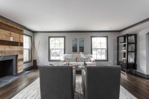 客厅窗台现代风格装饰设计图片