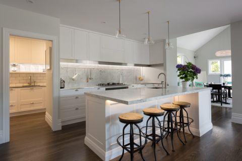 厨房吧台简欧风格装修效果图