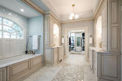 卫生间走廊美式风格装潢设计图片