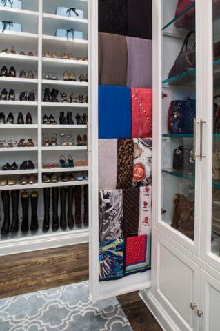 衣帽间橱柜美式风格装潢图片