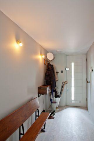 玄关推拉门现代风格装修设计图片