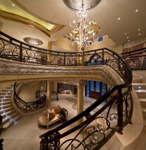 客厅楼梯简欧风格装潢效果图