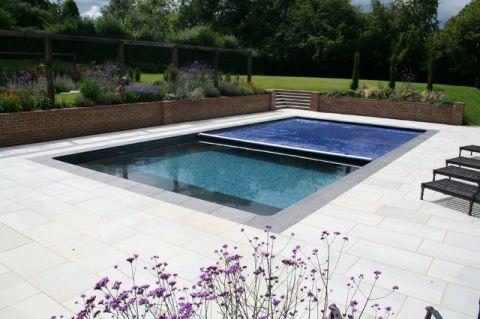 外景泳池现代风格装潢设计图片
