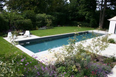 外景泳池现代风格装饰效果图