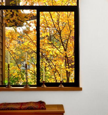 客厅黑色飘窗现代风格装潢设计图片