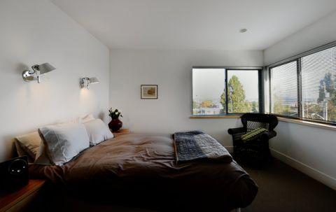 卧室咖啡色榻榻米现代风格装修效果图