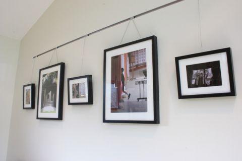 书房白色照片墙现代风格装潢设计图片