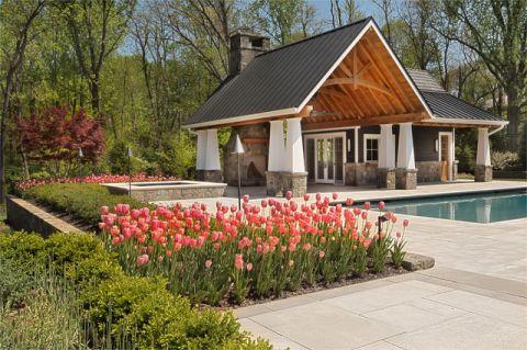 外景白色泳池美式风格装饰设计图片