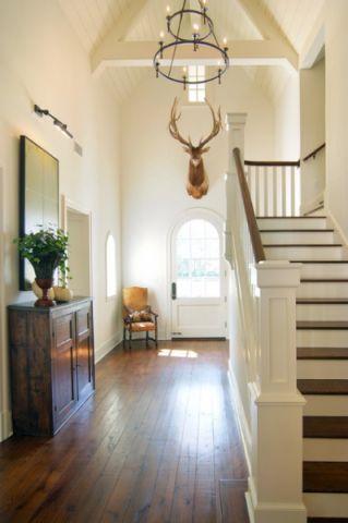玄关白色楼梯美式风格装饰效果图