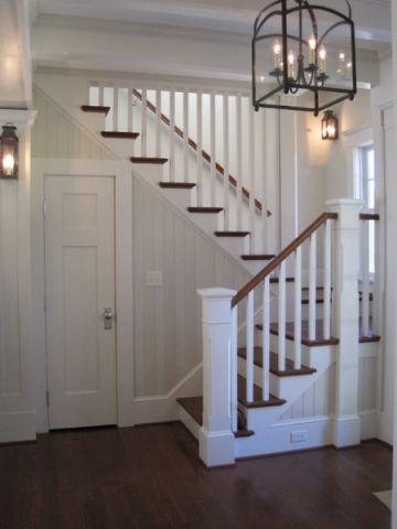 客厅白色楼梯简欧风格装潢图片