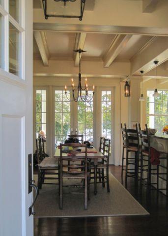 餐厅黄色餐桌简欧风格装饰设计图片