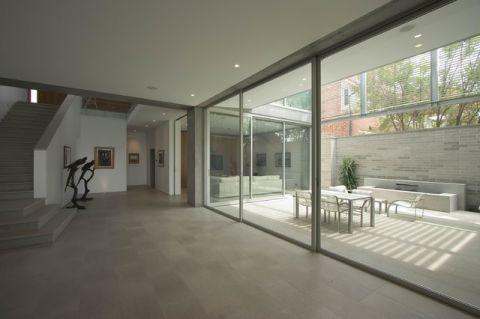 客厅白色走廊现代风格装修图片