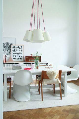 餐厅白色背景墙混搭风格装修设计图片