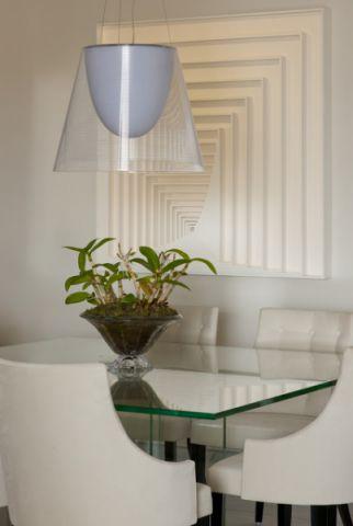 餐厅米色背景墙混搭风格装潢设计图片