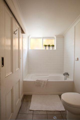 卫生间白色吊顶混搭风格装饰效果图