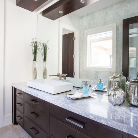 卫生间橱柜现代风格装饰效果图