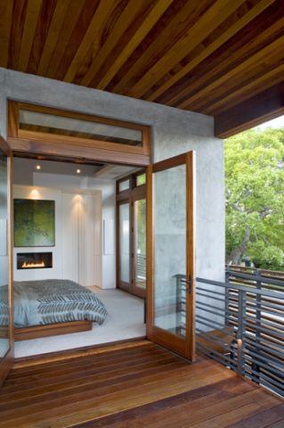 卧室推拉门现代风格装潢效果图