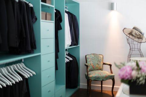 卧室橱柜现代风格装修设计图片