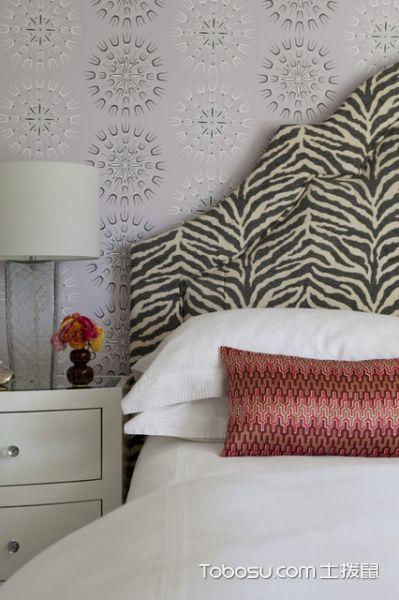卧室白色床头柜现代风格装潢设计图片