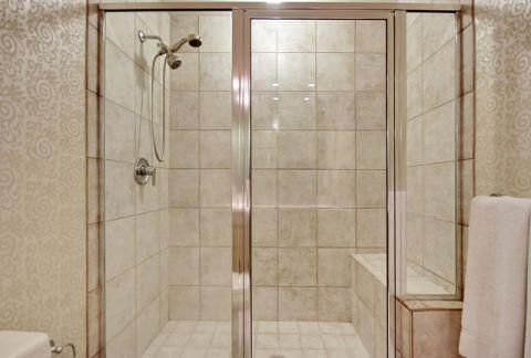 卫生间推拉门美式风格装饰图片
