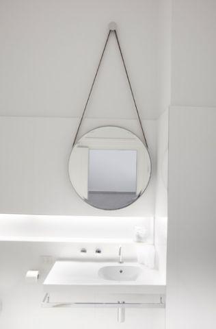 卫生间白色背景墙简欧风格装修设计图片