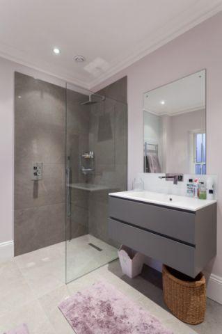 卫生间灰色橱柜简欧风格装修设计图片