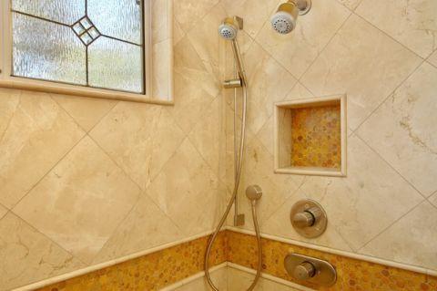 卫生间黄色细节简欧风格装饰图片