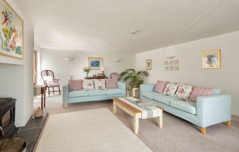 客厅白色细节简欧风格装饰设计图片
