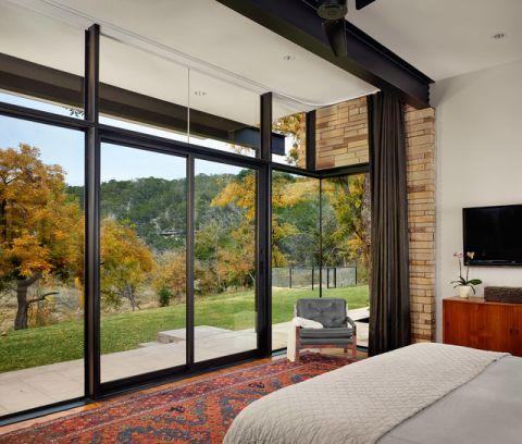 卧室推拉门现代风格装修设计图片