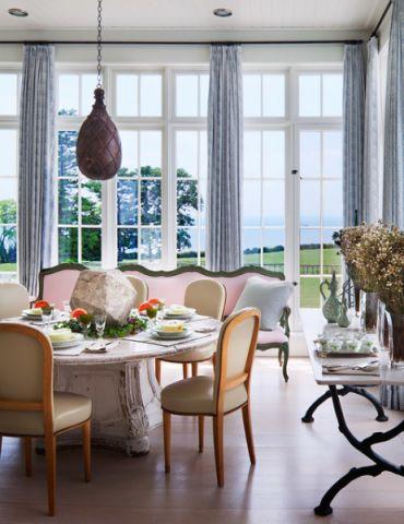 餐厅彩色飘窗美式风格装修图片