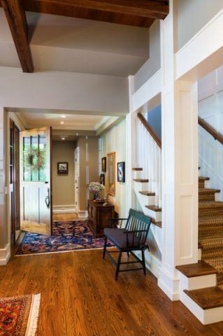 玄关咖啡色楼梯美式风格装潢设计图片